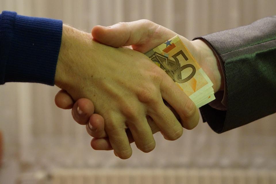 plata cash avantaje dezavantaje